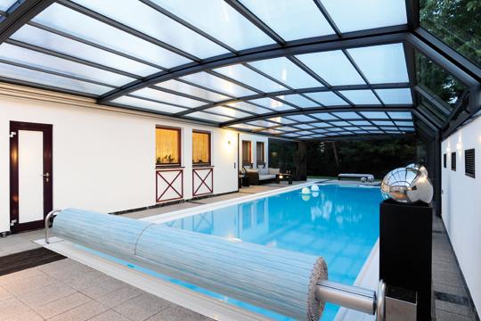 rollladenabdeckungen 2012 schwimmbad zu. Black Bedroom Furniture Sets. Home Design Ideas