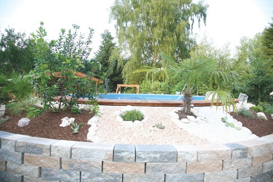 runder pool im garten runder pool 25 prima vorschl ge pool selber bauen swimmingpool im garten. Black Bedroom Furniture Sets. Home Design Ideas