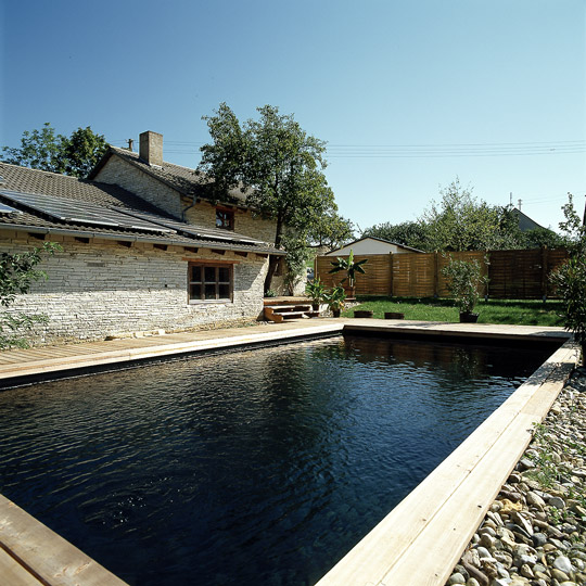 Black beauty das schwarze schwimmbad schwimmbad zu for Poolfolie farbe