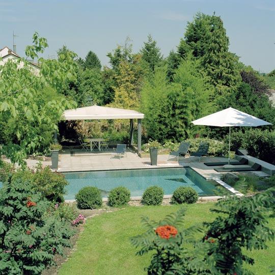 garten schwimmbad mit vielen highlights schwimmbad zu. Black Bedroom Furniture Sets. Home Design Ideas