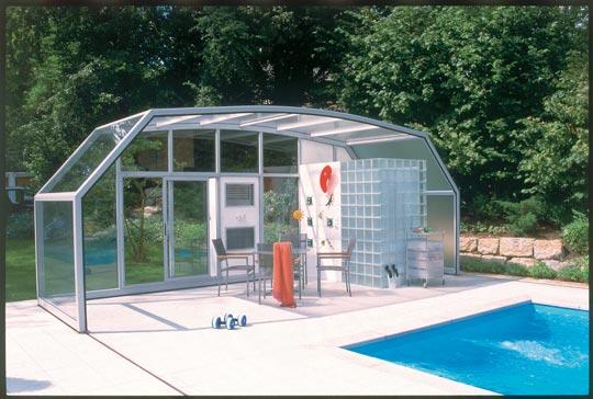 solit r im garten schwimmbad zu. Black Bedroom Furniture Sets. Home Design Ideas