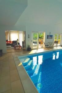 Folien für eine kreative Schwimmbad-Gestaltung