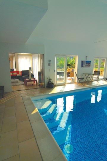 folien f r eine kreative schwimmbad gestaltung schwimmbad zu. Black Bedroom Furniture Sets. Home Design Ideas