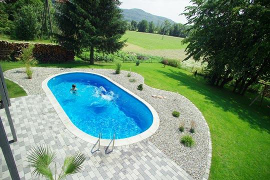 blick von oben schwimmbad zu. Black Bedroom Furniture Sets. Home Design Ideas