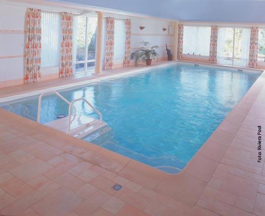 wieder up to date so bringen sie ihr schwimmbad in schuss schwimmbad zu. Black Bedroom Furniture Sets. Home Design Ideas