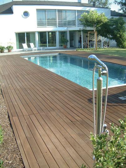 pool mit holzumrandung schwimmbadzubeh r aus w llersdorf. Black Bedroom Furniture Sets. Home Design Ideas
