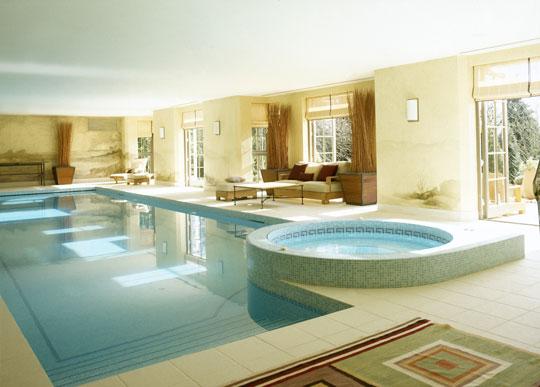 wellnesskomplex mit allen extras schwimmbad zu. Black Bedroom Furniture Sets. Home Design Ideas
