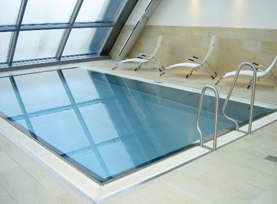 glanzvoller luxus schwimmbad zu