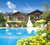 schwimmbad hotels und pool aussen