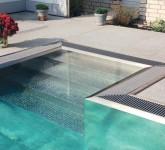 schwimmbad-überlaufrinne