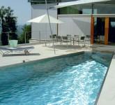 schwimmbad-wasser-edelstahl