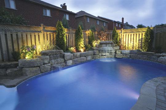 Freie gestaltung schwimmbad zu - Poolumrandungen ideen ...