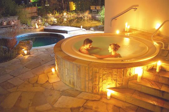 romantische auszeit im schwimmbad schwimmbad zu. Black Bedroom Furniture Sets. Home Design Ideas