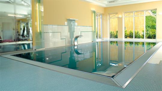 Swimmingpool im haus  Die 20 besten privaten Schwimmbecken | Schwimmbad-zu-Hause.de
