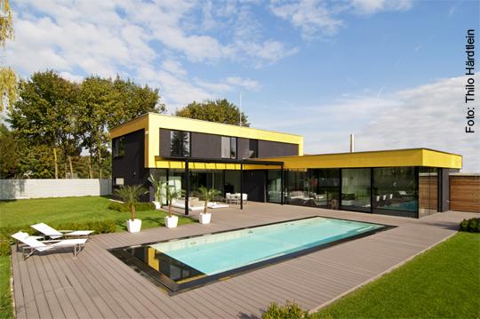 schwimmbad ist silber haus ist gold schwimmbad zu. Black Bedroom Furniture Sets. Home Design Ideas