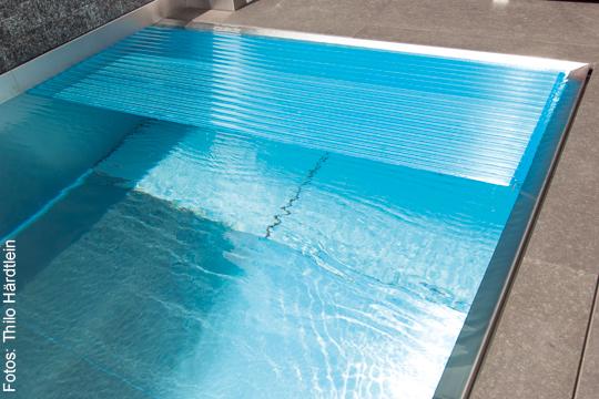Schwimmbad im glanz der sonne schwimmbad zu for Garten pool abdeckung