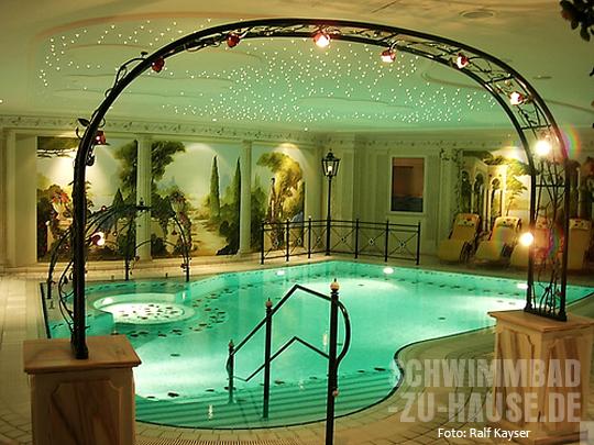 lichtideen f r ihren wellnessbereich schwimmbad zu. Black Bedroom Furniture Sets. Home Design Ideas