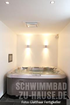 schwimmbad im untergrund schwimmbad zu. Black Bedroom Furniture Sets. Home Design Ideas