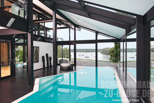 fertighaus mit pool schwimmbad zu. Black Bedroom Furniture Sets. Home Design Ideas