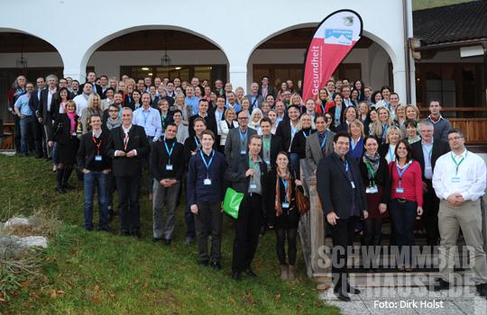 Gruppenfoto_120_Teilnehmer_SpaCamp_2012(C)_Dirk_Holst