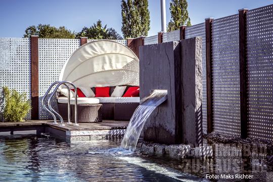 Der luxus der privatsph re schwimmbad zu - Sichtschutz pool ...