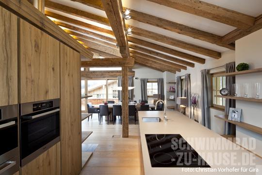 beleuchtung sichtdachstuhl licht f r haus und terrasse. Black Bedroom Furniture Sets. Home Design Ideas