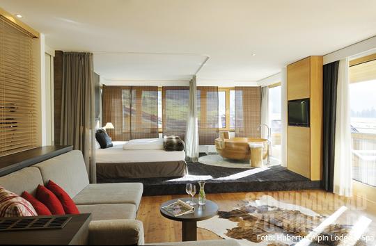 alpines badefeeling schwimmbad zu. Black Bedroom Furniture Sets. Home Design Ideas