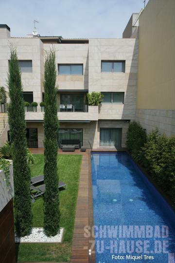 ein kleines paradies von mauern umgeben schwimmbad zu. Black Bedroom Furniture Sets. Home Design Ideas