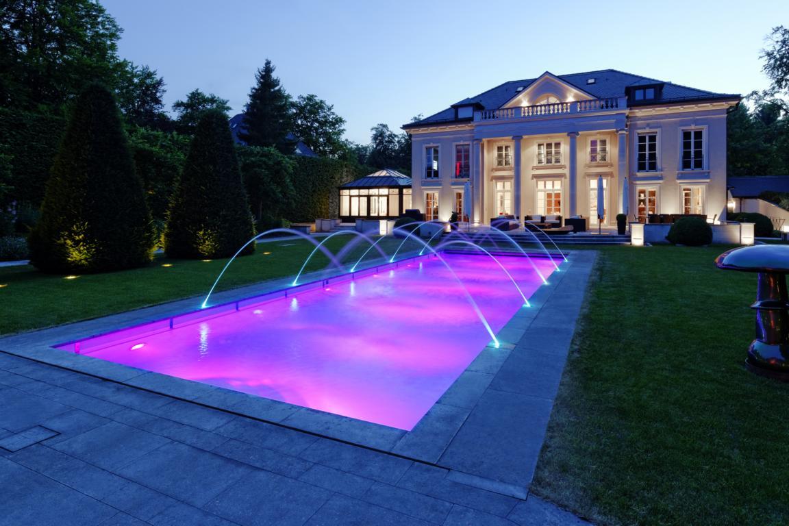 Schwimmbadbau m nchen schwimmbad und saunen for Folienverlegung schwimmbad