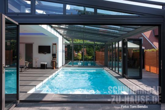 in jeder wetterlage schwimmbad zu. Black Bedroom Furniture Sets. Home Design Ideas