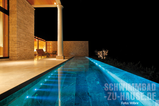 mehr als nur licht schwimmbad zu. Black Bedroom Furniture Sets. Home Design Ideas