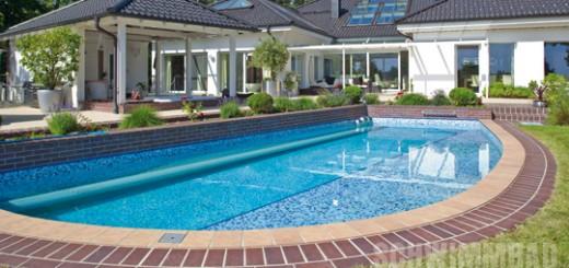Das-Schwimmbad-in-Elipsenform