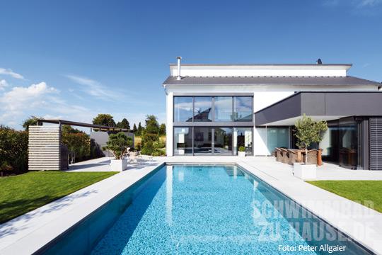 puristisches doppel schwimmbad zu. Black Bedroom Furniture Sets. Home Design Ideas
