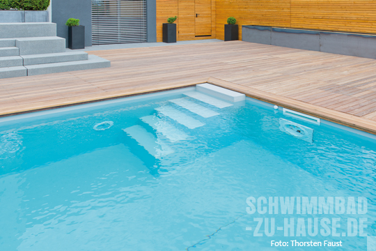 hang zum einklang schwimmbad zu. Black Bedroom Furniture Sets. Home Design Ideas