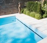 Pool-mit-Heimvorteil-Modern-ist-auch-die-hohe-Wasserkante