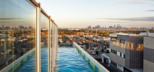 Skyline-Pool-Der-Blick-vom-Pool-auf-Melbourne-ist-atemberaubend