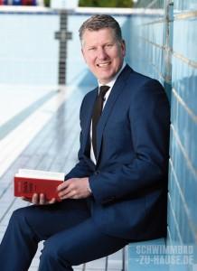 Rechtsanwalt und Notar Andreas Kellner ist seit mehr als zehn Jahren auf Rechts- fragen im Bereich Schwimmbad und Wellness spezialisiert