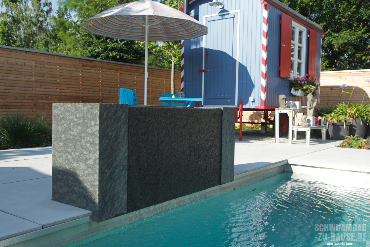 flie ende freiheit schwimmbad zu. Black Bedroom Furniture Sets. Home Design Ideas
