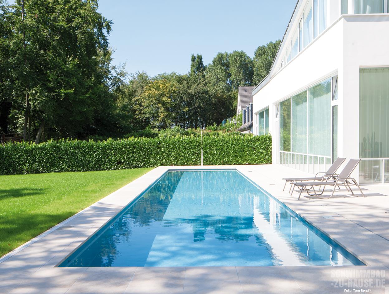 gl nzender start schwimmbad zu. Black Bedroom Furniture Sets. Home Design Ideas