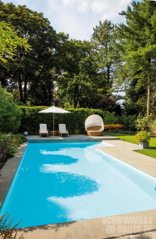 Im garten eden schwimmbad zu for Garten eden