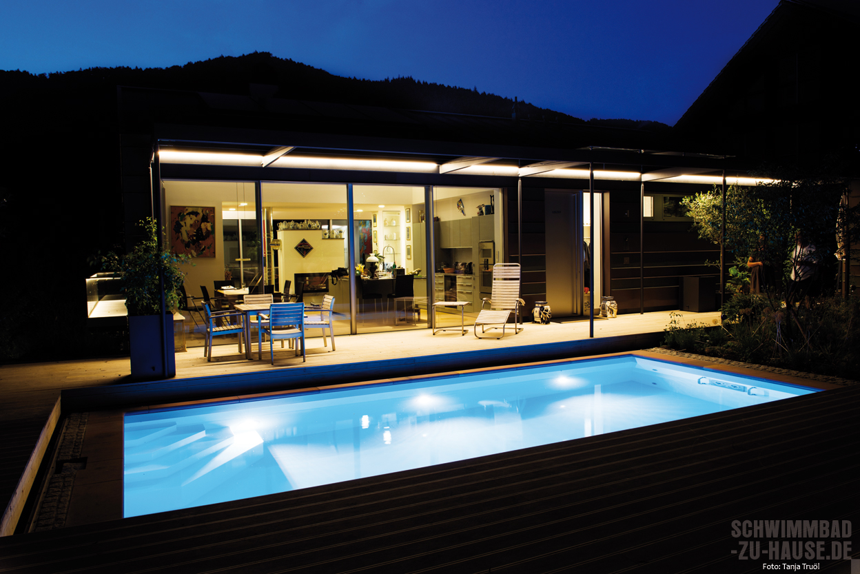 den herbst des lebens genie en drei led rgb unterwasserscheinwerfer sorgen zusammen mit den. Black Bedroom Furniture Sets. Home Design Ideas