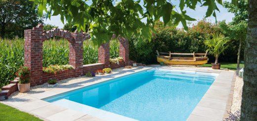 Dolce-Vital_Ein-Stück-ländliches-Italien,-der-Pool-mit-den-Maßen-7,10-x-3,70-Meter-ist-neues-Zentrum-dieses-Familiengartens-im-Münsterland