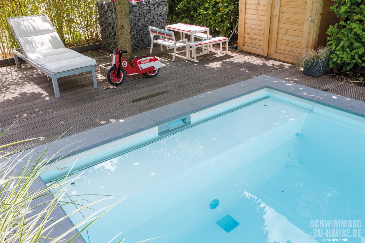 Family pool schwimmbad zu for Garten pool wasserpflege