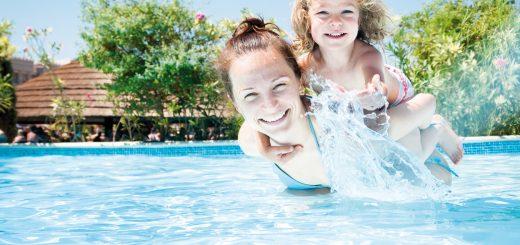 Ungetrübt-und-sorgenfreiMit-chemischen-Helfern-bleibt-Ihr-Badespaß-nicht-auf-der-Strecke