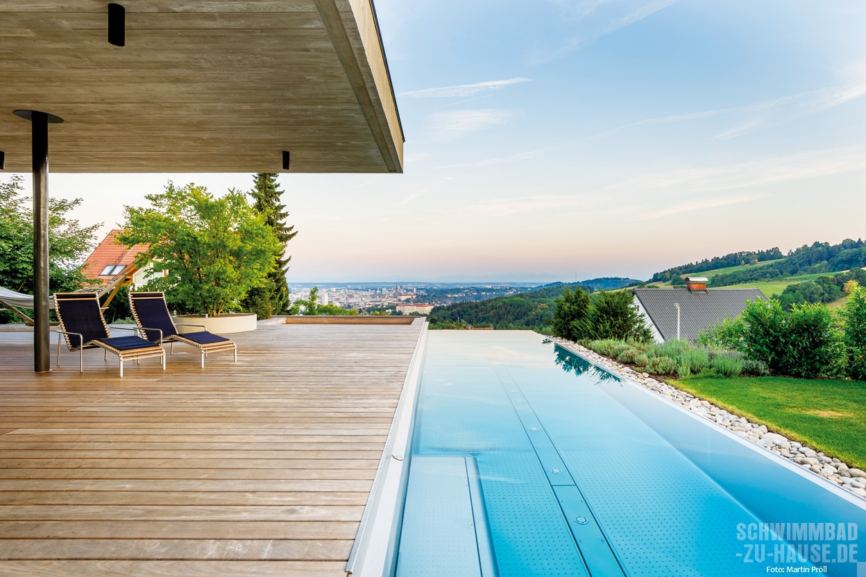 edle klarheit schwimmbad zu. Black Bedroom Furniture Sets. Home Design Ideas