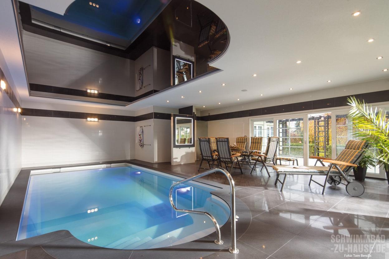 Pool als sportbecken nutzen schwimmbad zu for Schwimmbad gegenstromanlage