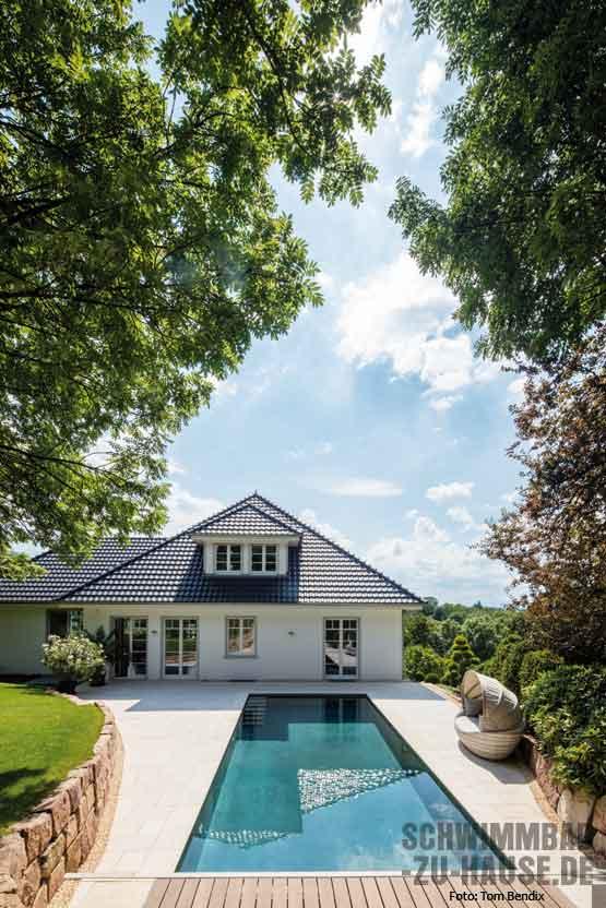 Concrete pool schwimmbad zu for Garten pool wasserpflege