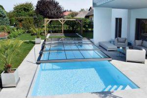 Verlängerte Badesaison durch Poolüberdachung