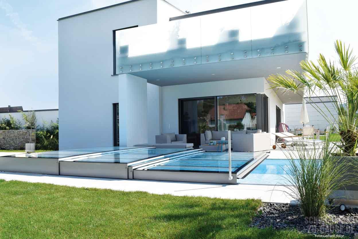 Verl ngerte badesaison durch pool berdachung schwimmbad zu - Moderne bder mit dachschrge ...