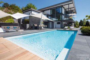 Sommurlaub zu Hause am eigenen Pool